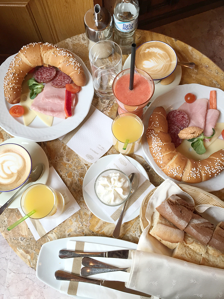 Budapest Breakfast – 5 Reasons to Visit Cafe Gerbeaud